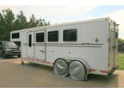 2006 Shadow Gooseneck 3 Horse Trailer