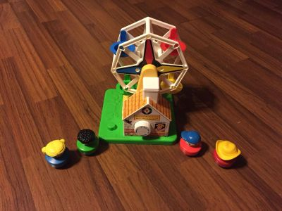 Fisher Price Musical Ferris Wheel with People