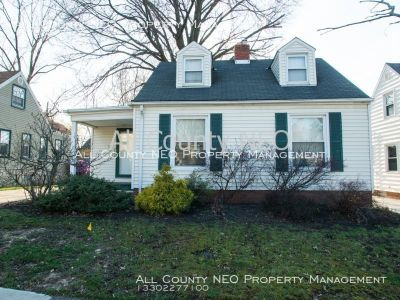 Very Cute 2 Bedroom Home in South Euclid!!