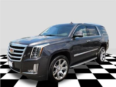 2016 Cadillac Escalade Luxury (dark granite metallic)