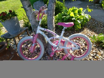 Hello Kitty Bicycle with training wheels