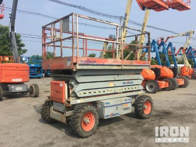 2008 (unverified) Skyjack SJ7135 4WD Dual Fuel Scissor Lift