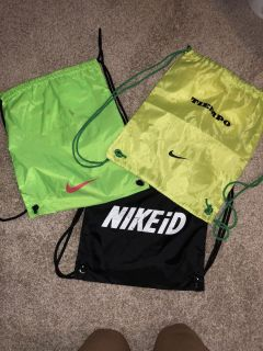 3 Nike backpacks ((MOVING SALE)) all for $5.00