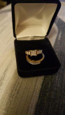 Ladies engagement ring set 14k yellow gold diamond
