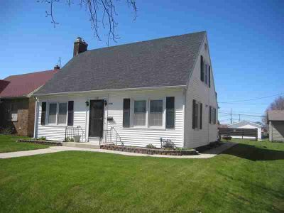 1118 North Ave Sheboygan, Lots of updates/amenities in this