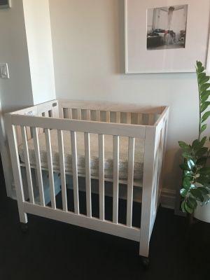 Babyletto Origami Mini Crib in Natural w/ Mattress