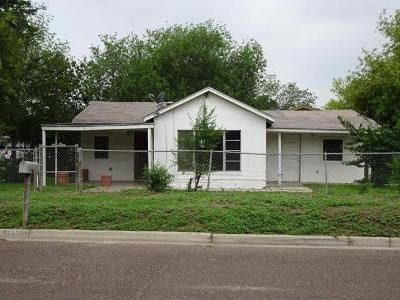 2 Bed 1 Bath Foreclosure Property in Laredo, TX 78041 - Flores Ave