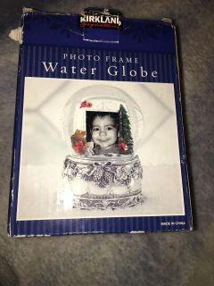 Picture Water Globe