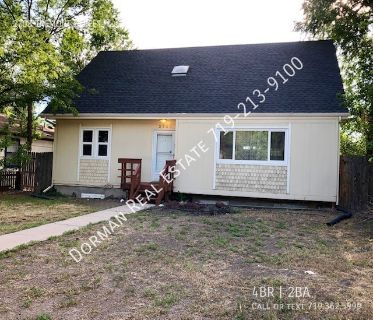 Spacious 4 bed/2 bath on the Westside with CENTRAL AIR!