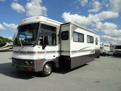 2001 Winnebago Adventurer 35U 2 Slide Outs