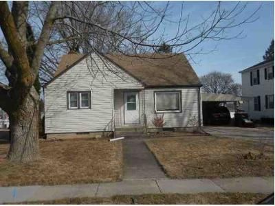 3 Bed 1 Bath Foreclosure Property in Waupun, WI 53963 - Mckinley St