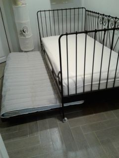 wrought iron daybed w/trundle (Ikea)