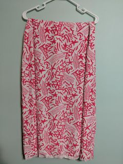 White skirt with pink Japanese print