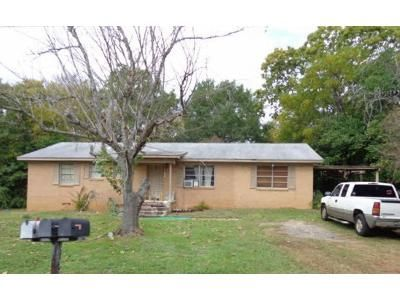 3 Bed 2 Bath Foreclosure Property in Palestine, TX 75801 - Kenwood Dr