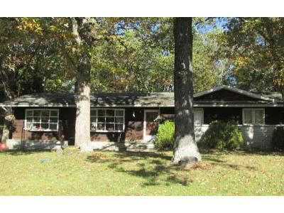 4 Bed 2.5 Bath Foreclosure Property in Millville, NJ 08332 - Shelburn Rd
