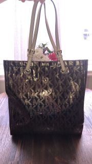 Authentic Micheal Kors Tote Bag Great Condition!