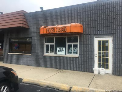 FROMER ICE CREAM STOREFRONT FOR RENT IN OAK FOREST ILLINOIS