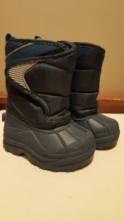 Childrens place winter/snow boots