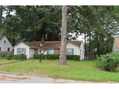 3 Bed 1 Bath Foreclosure Property in Portsmouth, VA 23707 - Greenway Ct W