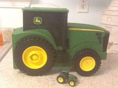 John Deer Tractor Storage Case . See additional pics !