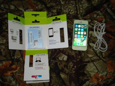 iPhone 5 WHITE & SILVER 32GB w/ STRAIGHT TALK AT&T SIM Card & USB Charger Unlocked Cell Phone BYOP