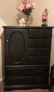 Solid wood Dresser and Chest Set