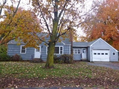 4 Bed 1 Bath Foreclosure Property in Agawam, MA 01001 - Campbell Dr