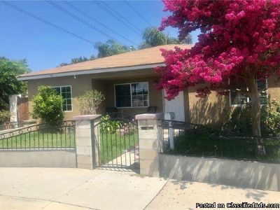 3 beds 2 baths for single family for rent in Santa Ana, CA 92707