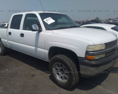 Salvage White 2001 Chevrolet Silverado 1500hd
