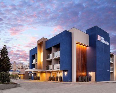 2-Bedroom Suite at Hilton Garden Inn Marina Del Rey by Suiteness - Marina del Rey