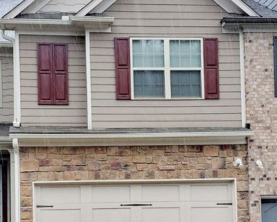 4bd Townhome w/ Finished Basement For Rent in Buford 30519