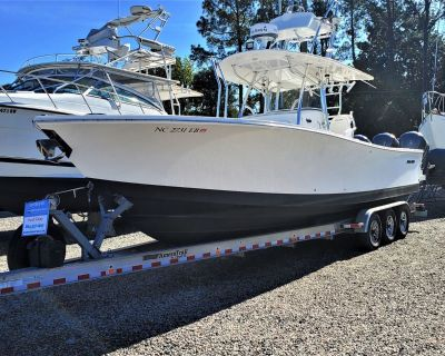 "2015 39'4"" Regulator 34 Center Console"