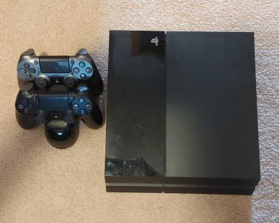 PS4 With 500gig Internal Hard Drive & One Game with 1 Controller