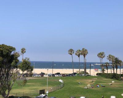 Stunning Ocean Views, Multi-Level Townhome next to the Ocean - Playa Del Rey