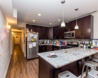 N Oakley Blvd, Chicago, IL 60612 4 Bedroom Condo
