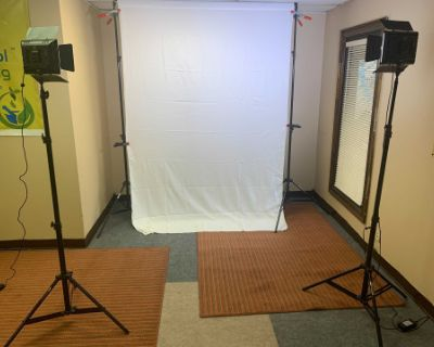 Simple Intimate Space For Photos and Videos Requiring A Backdrop, Jonesboro, GA