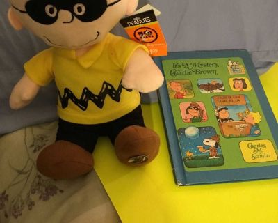 11 Musical/Dancing Charlie Brown Plush & It s a Mystery, Charlie Brown Hardcover Book Combo