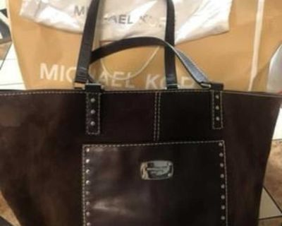 Michael Kors tote only used a month (looks new)