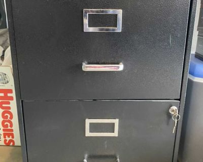 Filing cabinet with lock!