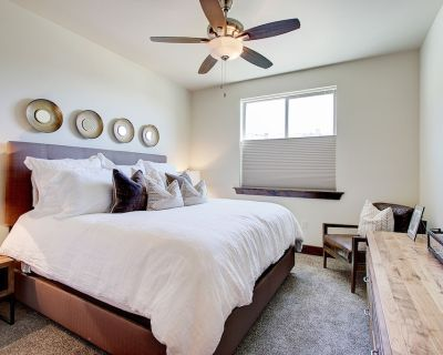 Brand New Condo - High-End Furnishings, Beautifully Designed, Perfect for a Family! - Kamas