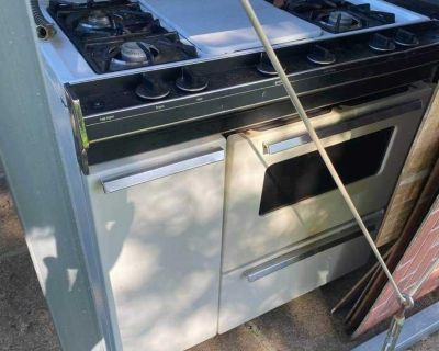 Whirlpool (Gas) Bakers stove and oven