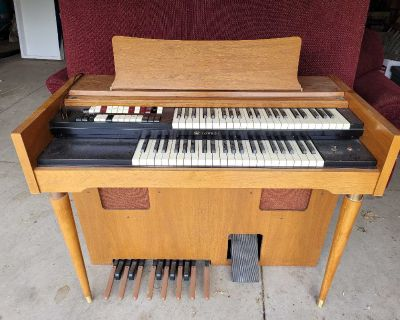 Free Organ pick up only White City