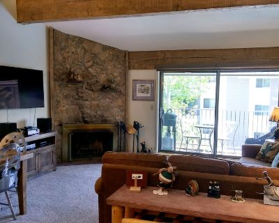 Remodeled Condo w/ FREE WiFi, Parking, Heated Pool, Hot Tubs, Skier Shuttles - Avon