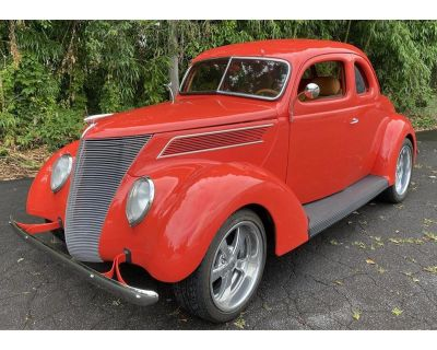 1937 Ford 2-Dr Coupe