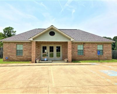 Office Bldg. (Free Standing) on 1.9 Acres