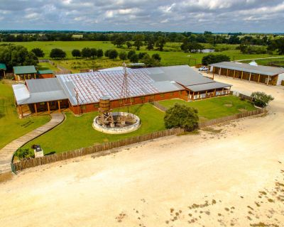 Event Facility on 123 Acres