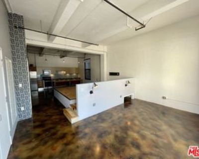 738 S Los Angeles St #408, Los Angeles, CA 90014 Studio Apartment