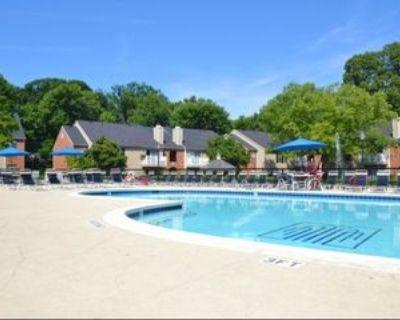 4015 Waterford Cir, Louisville, KY 40207 1 Bedroom Apartment