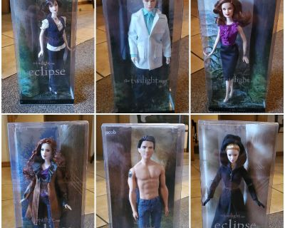Twilight Saga Barbies (with FREE Cullan Family Crest Jewelry Set , $180 value ) PLUS FREE SHIPPING