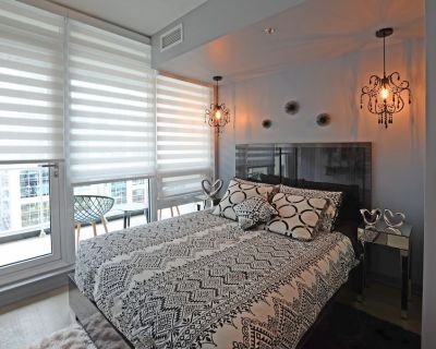 Downtown Luxury Condo Professionally Furnished and Decorated - Byward Market - Parliament Hill